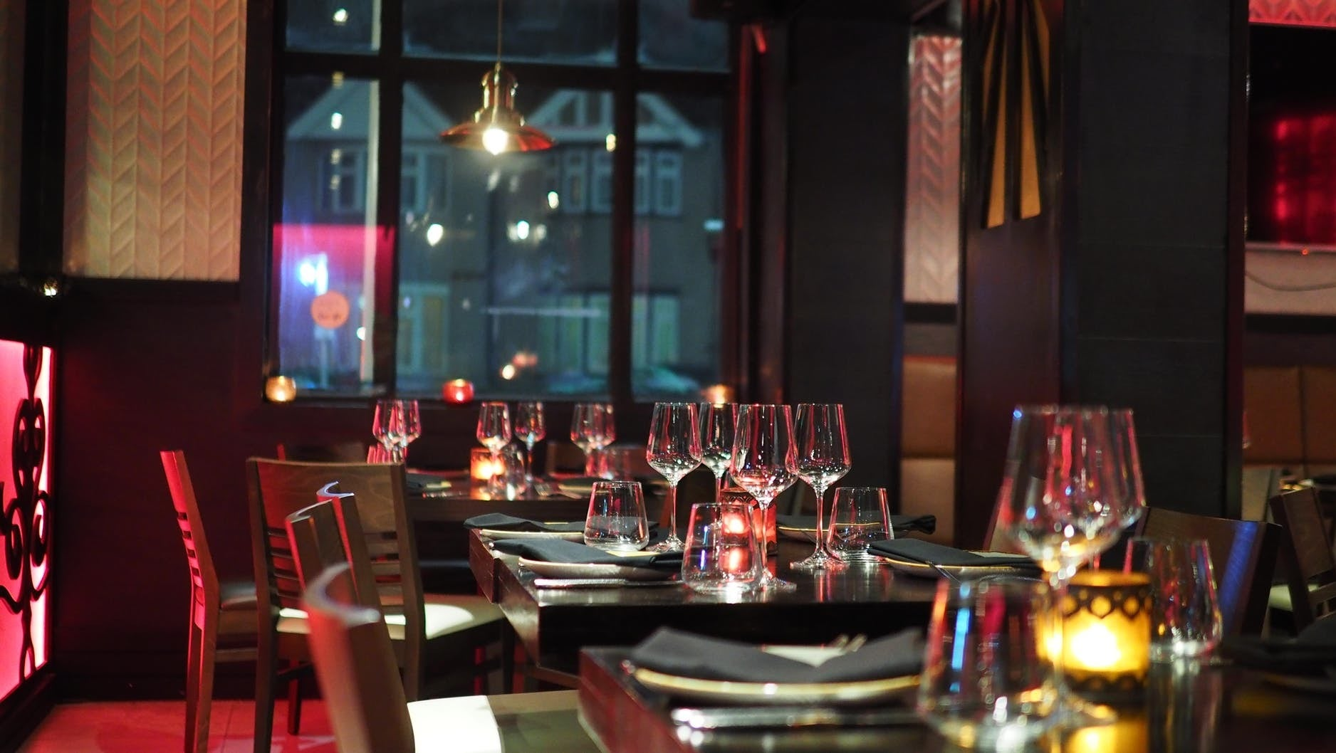 How To Request A Particular Table When Making An OpenTable Reservation