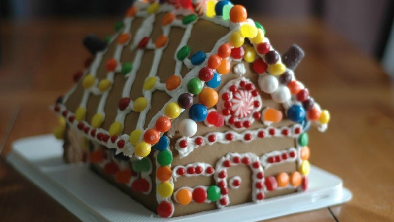 Turn Your Now-Irrelevant Gingerbread House Into A Tasty Pie Crust