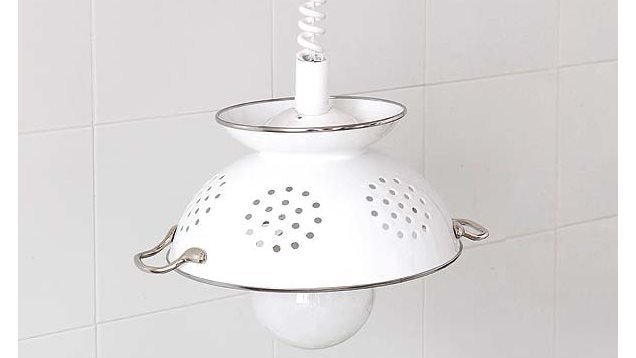 Create An Eye-Catching Pendant Lampshade With An Old Colander