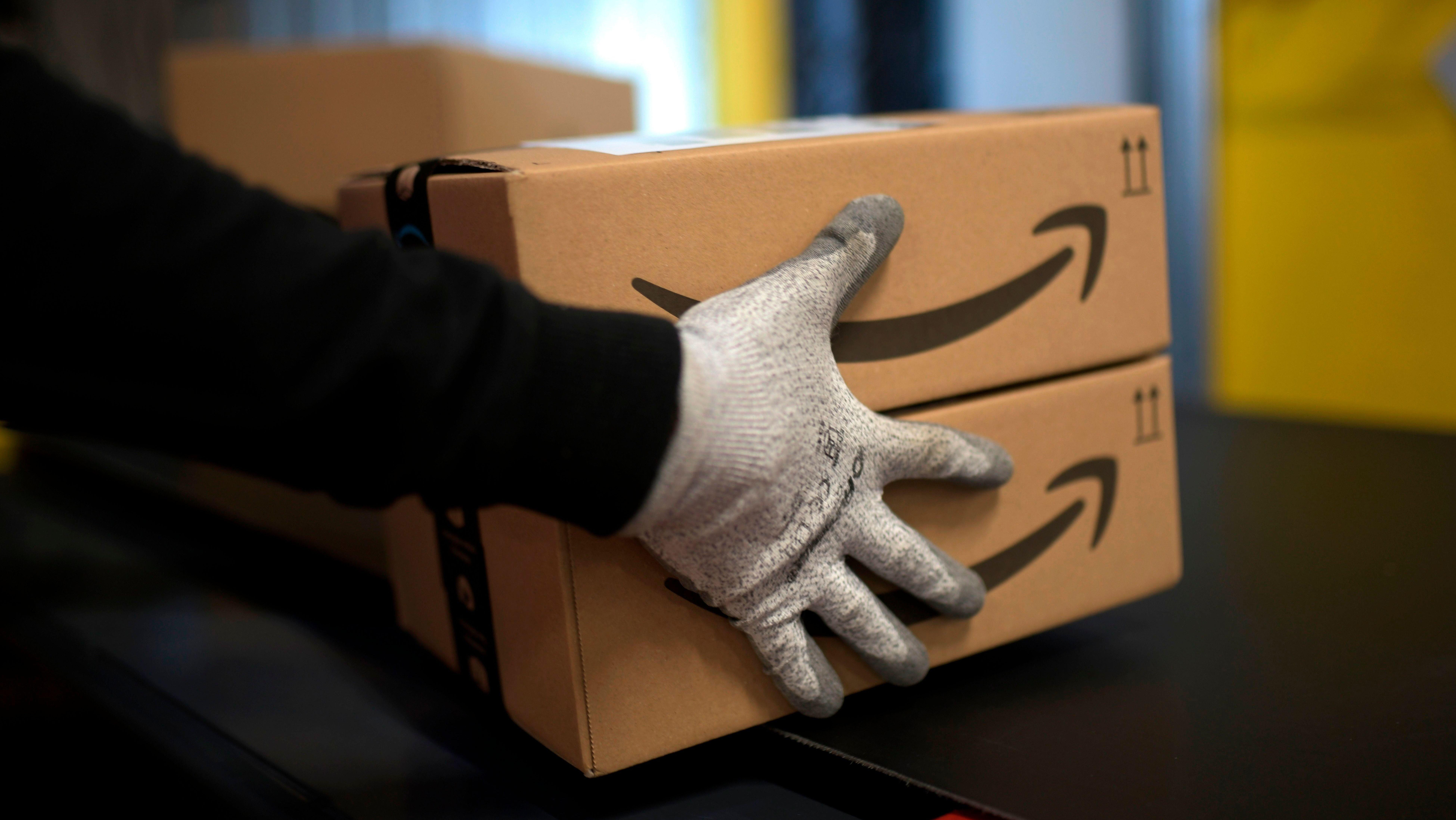 Amazon's A Shopping Mess