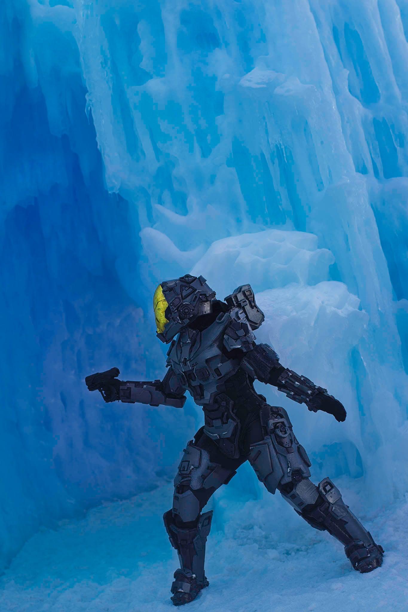 Cosplay Ventures Into The Frozen Wilds