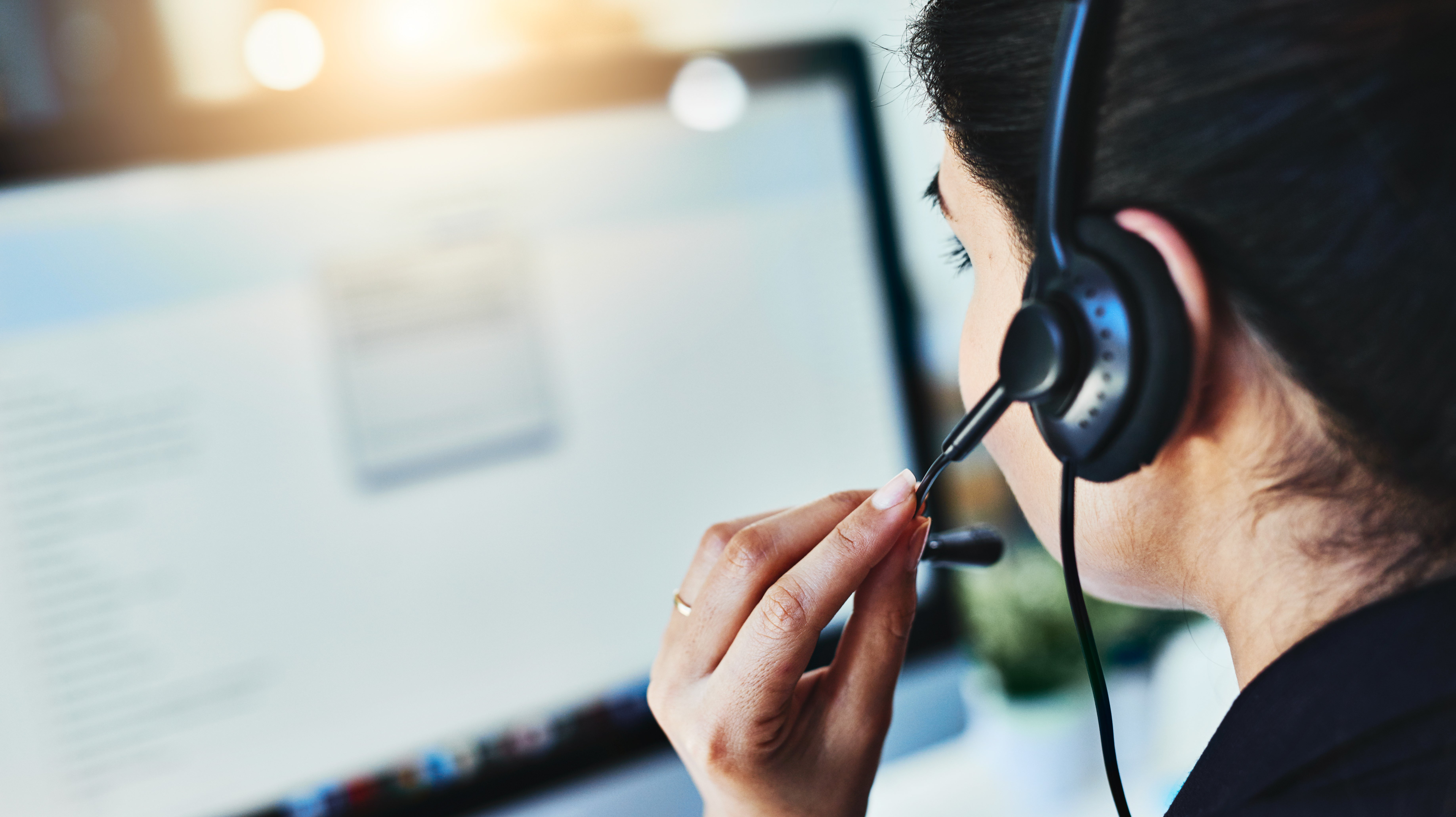 Customer Service Chat Services See Everything You Type (Whether You Send It Or Not)