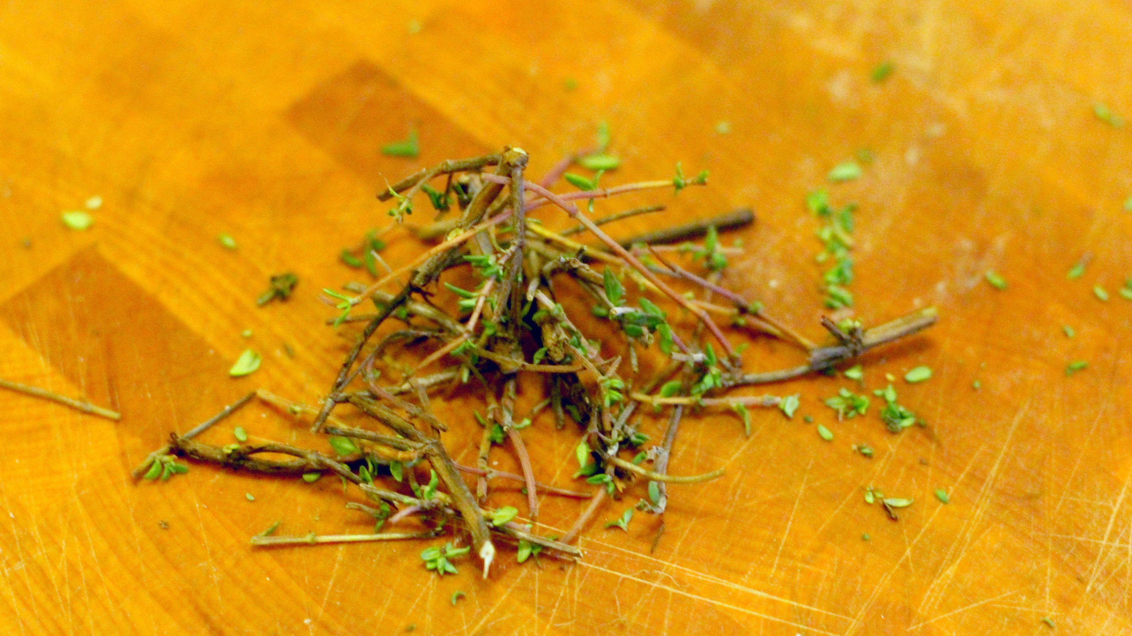 Make A Cocktail Syrup Out Of Inedible Thyme Stems