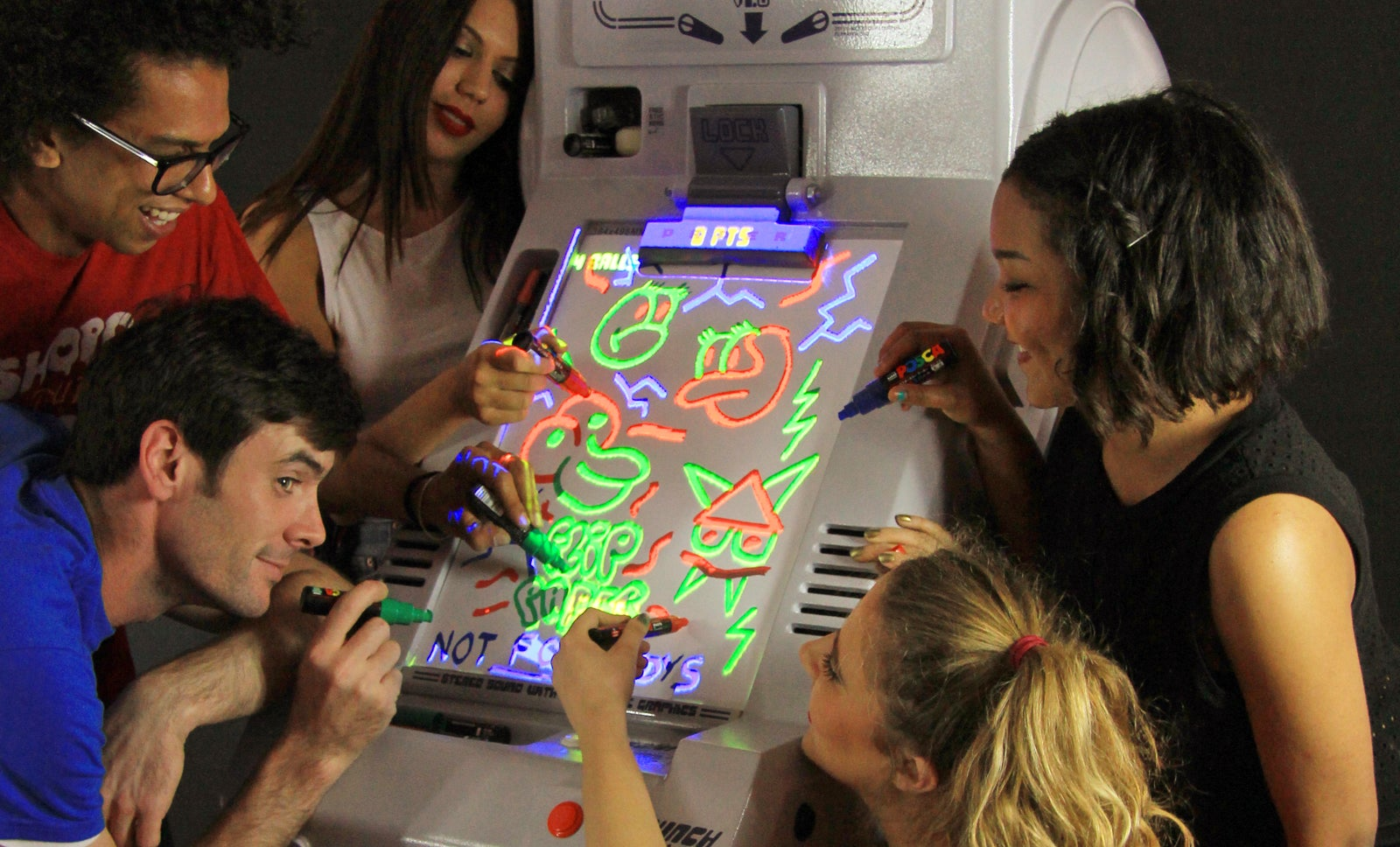 You Can Draw Your Own Obstacles and Power-Ups on This Weird Pinball Machine