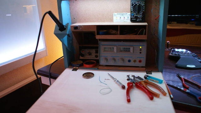 Make Your Own Electronics Workstation In A Box