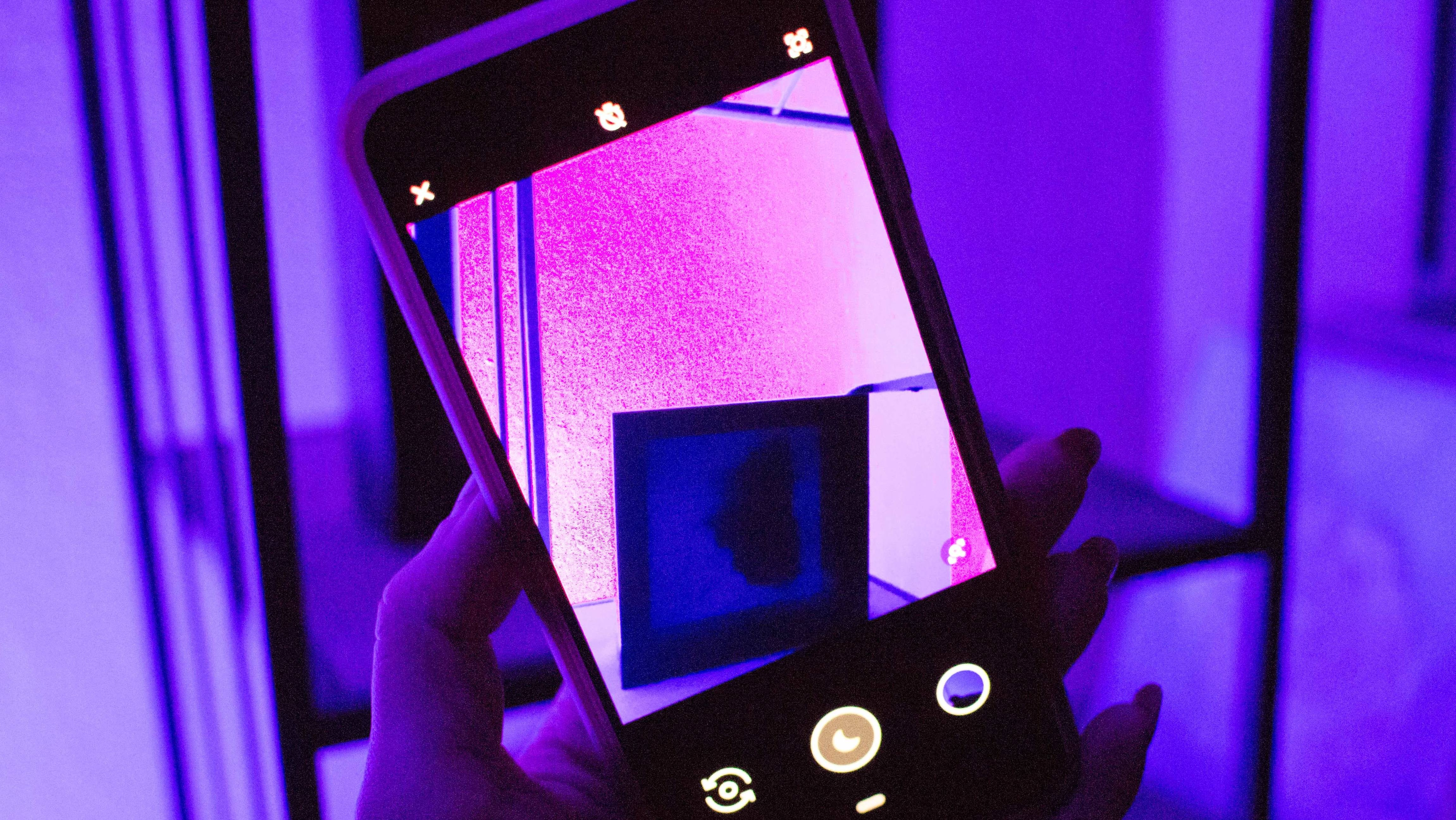 How To Take Better Nighttime Photos With Your Smartphone