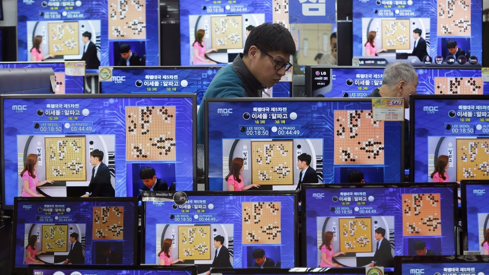 Google's AlphaGo Is Slaying Unsuspecting Nerds Online