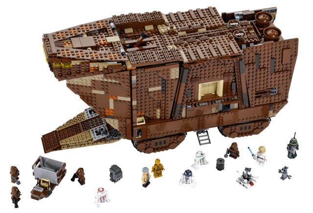 Behold the New 3,296-piece Lego Star Wars Sandcrawler!