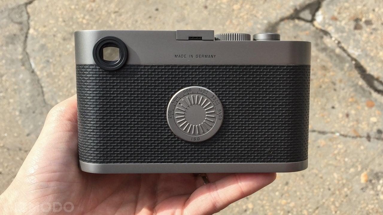 Shooting With Leica's Nutty No-Screen Camera Is Half Joy, Half Fantasy