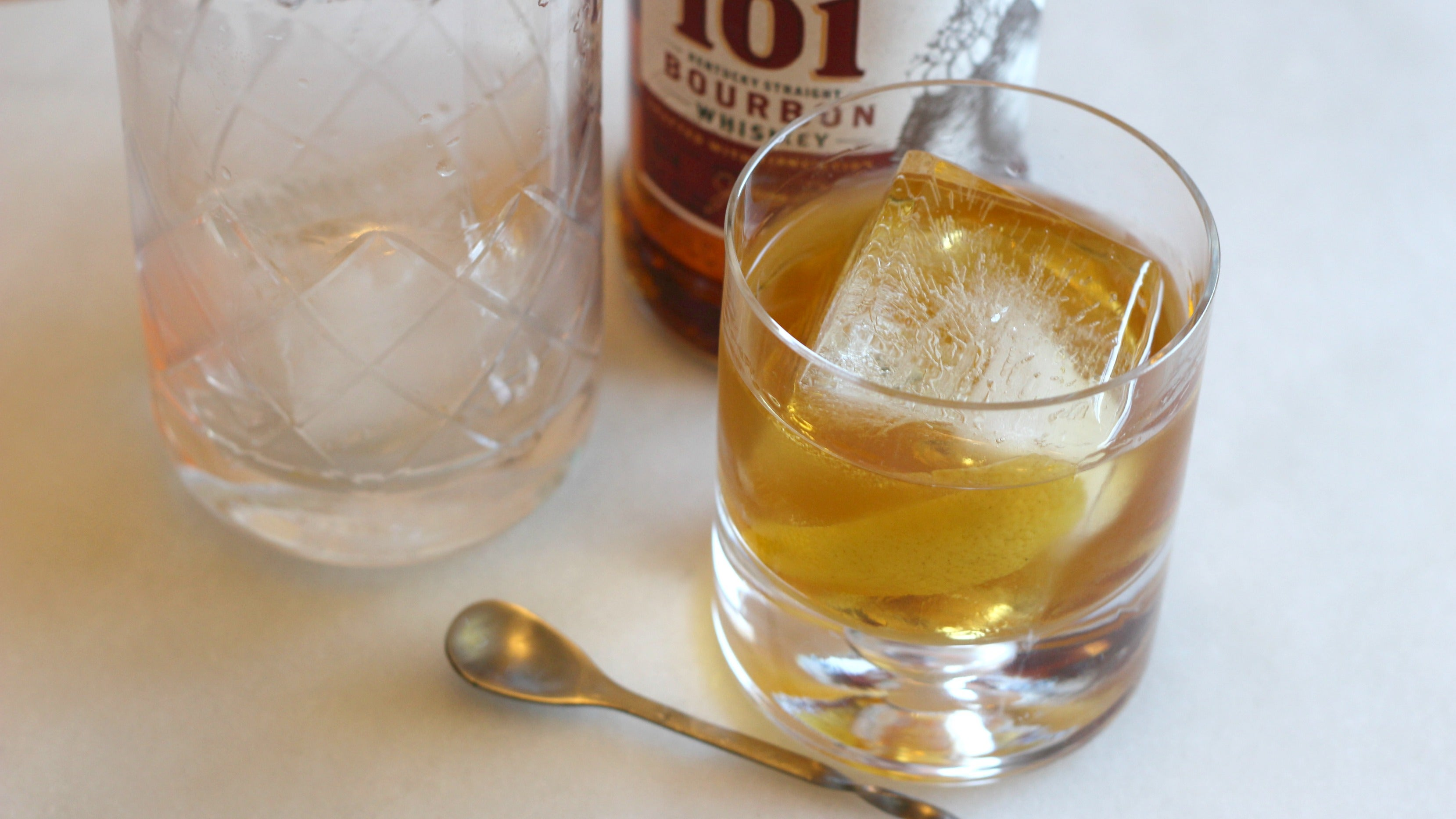 3-Ingredient Happy Hour: The Cold And Stiff High Sparrow