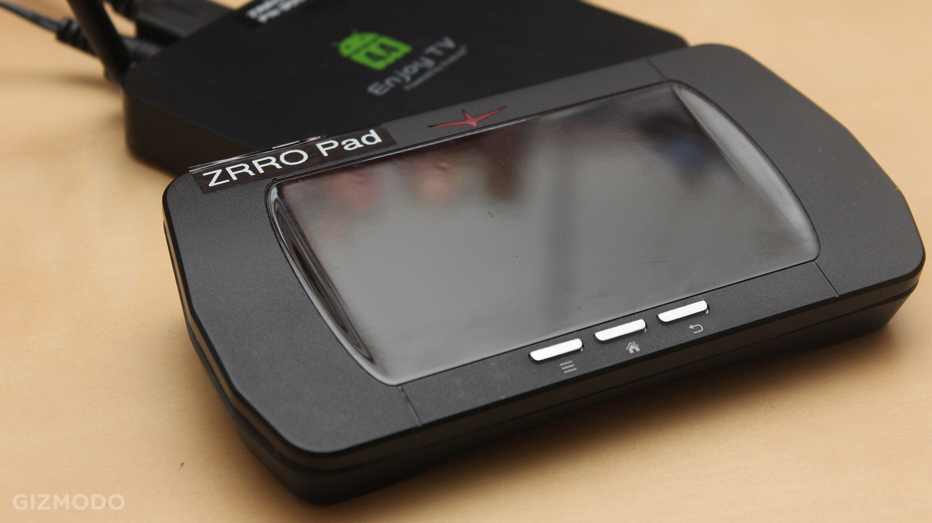 The ZRRO Hoverpad Is Almost The Game Controller I Want For My TV