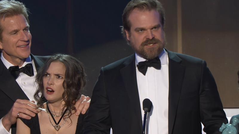 Stranger ThingsStar Rallies 'Freaks And Outcasts' In Stirring SAG Award Speech