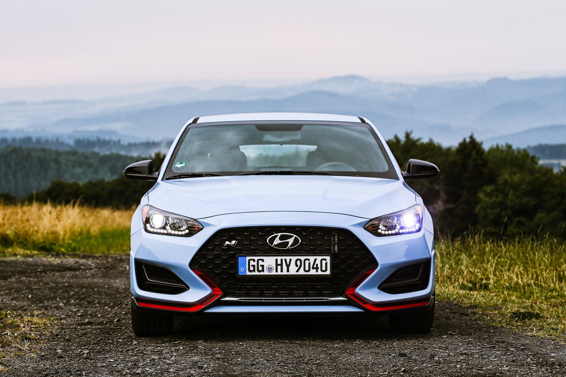The 2019 Hyundai Veloster N Actually Kicks Arse | Gizmodo