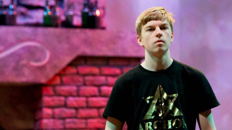 15 Year-Old Prodigy Wins Hearthstone Americas Winter Championship