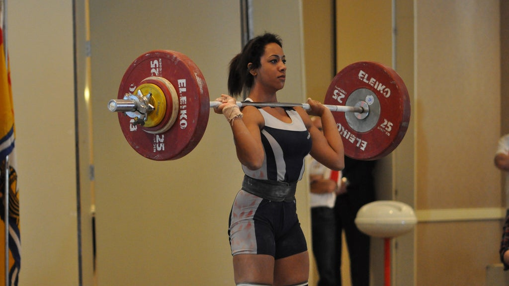 The Right Way To Warm Up For Consistently Stronger Weightlifting