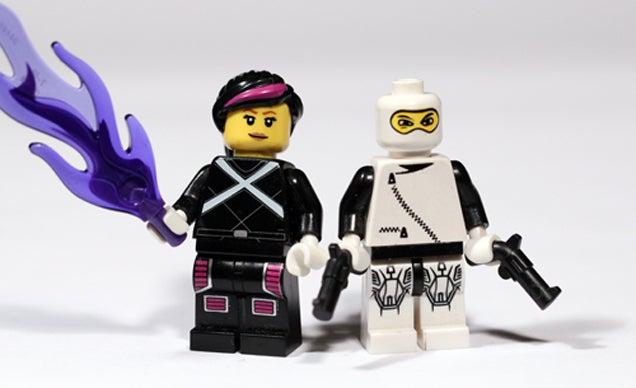Marvel Superheroes Recreated As Custom Lego Minifigures