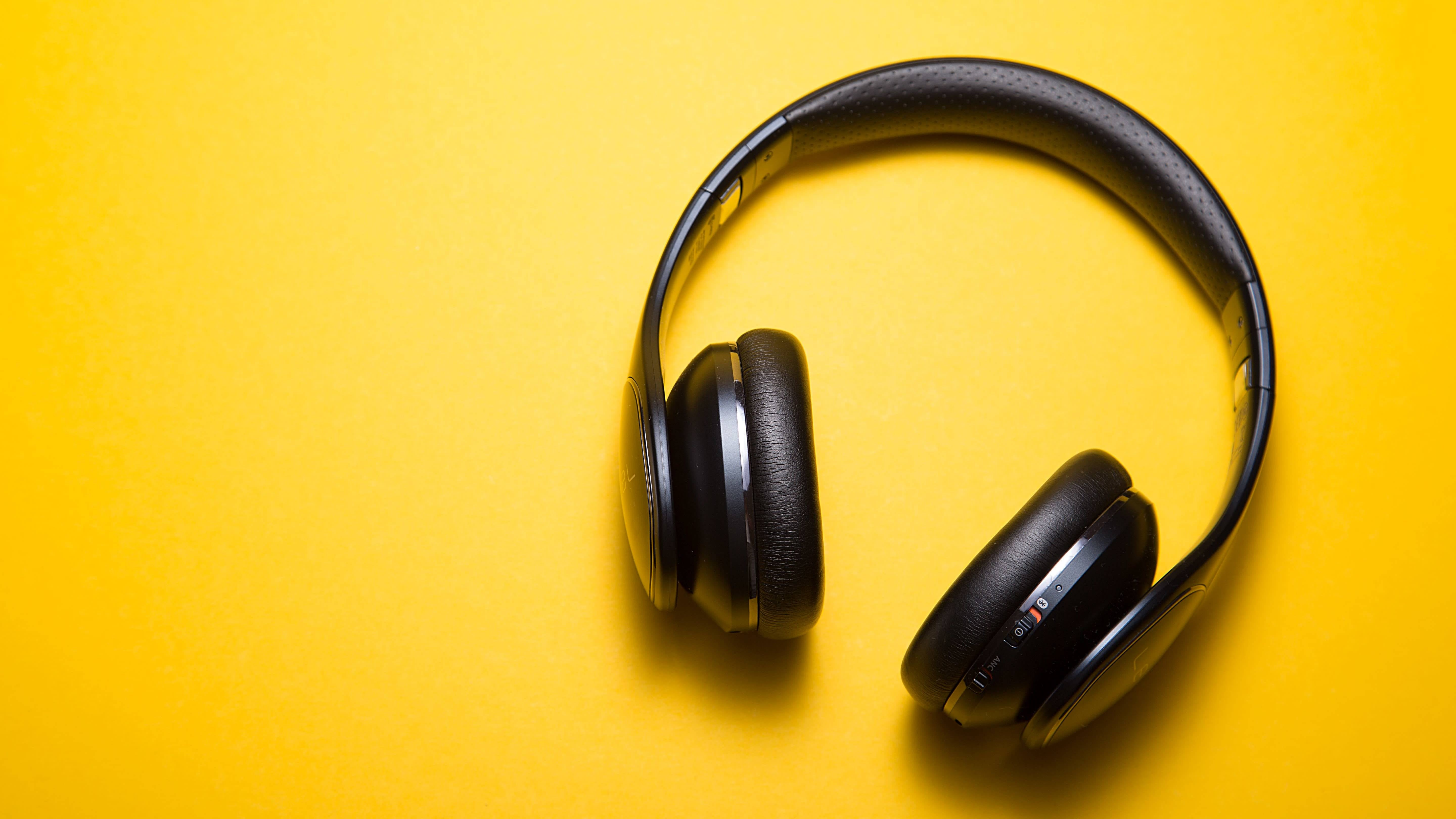 Use A 'Productivity Song' To Train Your Brain To Work