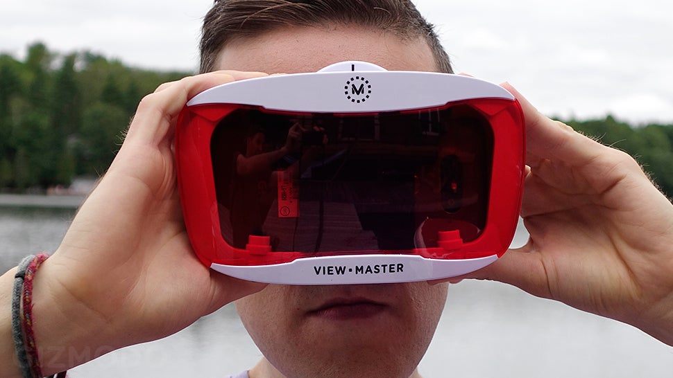 The New View-Master Deluxe VR Is the Best Cheap VR Headset Available