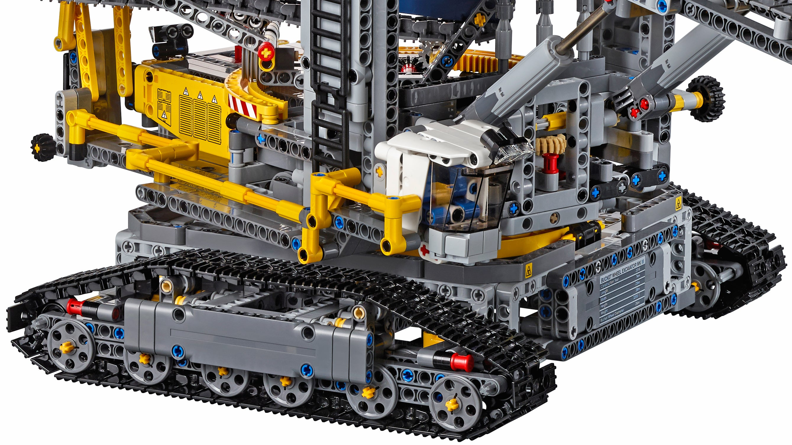 lego 39 s largest technic set can dig a moat around your home gizmodo australia. Black Bedroom Furniture Sets. Home Design Ideas
