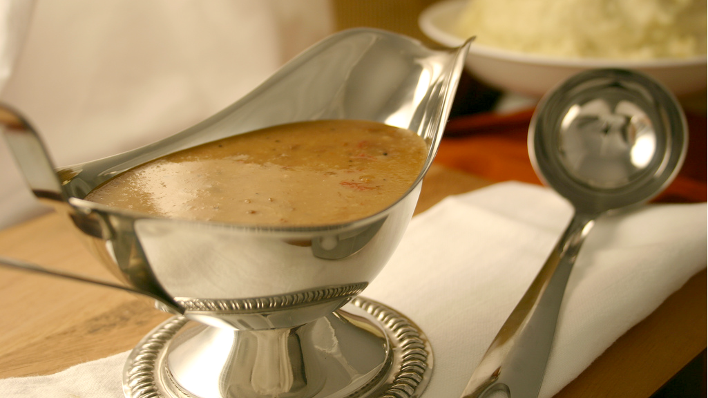 There Is No Reason To Not Make Your Own Turkey Gravy