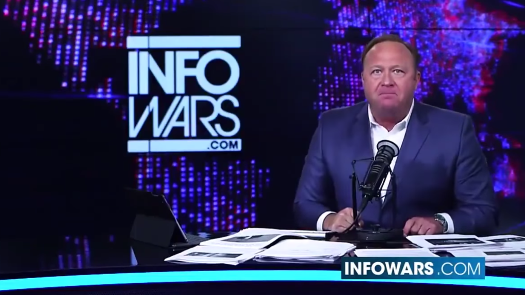 Alex Jones Is Shirtlessly Screaming Into The Void On Popular Social Network Google+