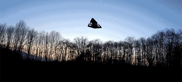 A Flying Star Destroyer Drone Looks Terrifying As It Descends From Above