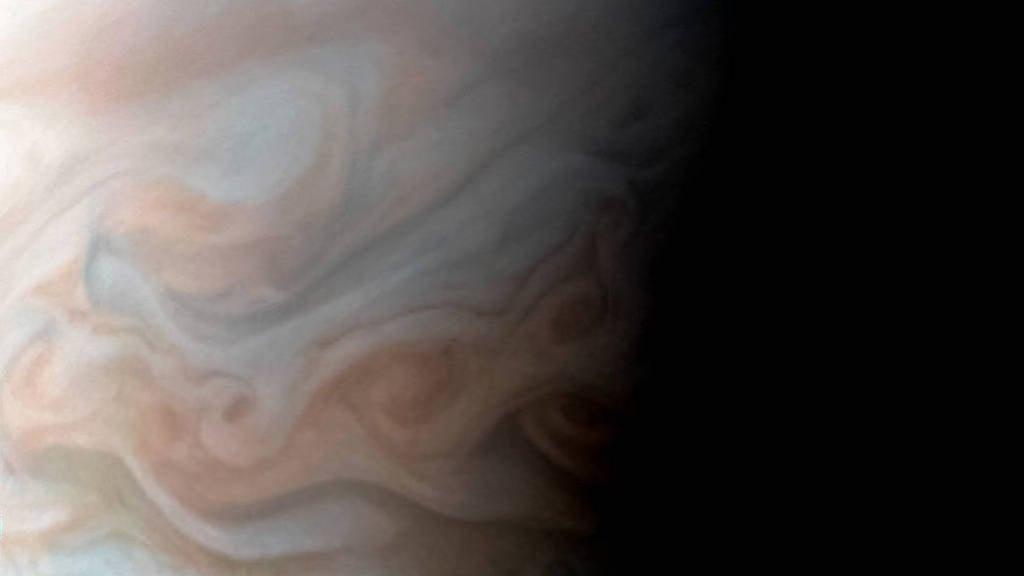 New Close-Up Image Of Jupiter's Turbulent Region Is Breathtaking
