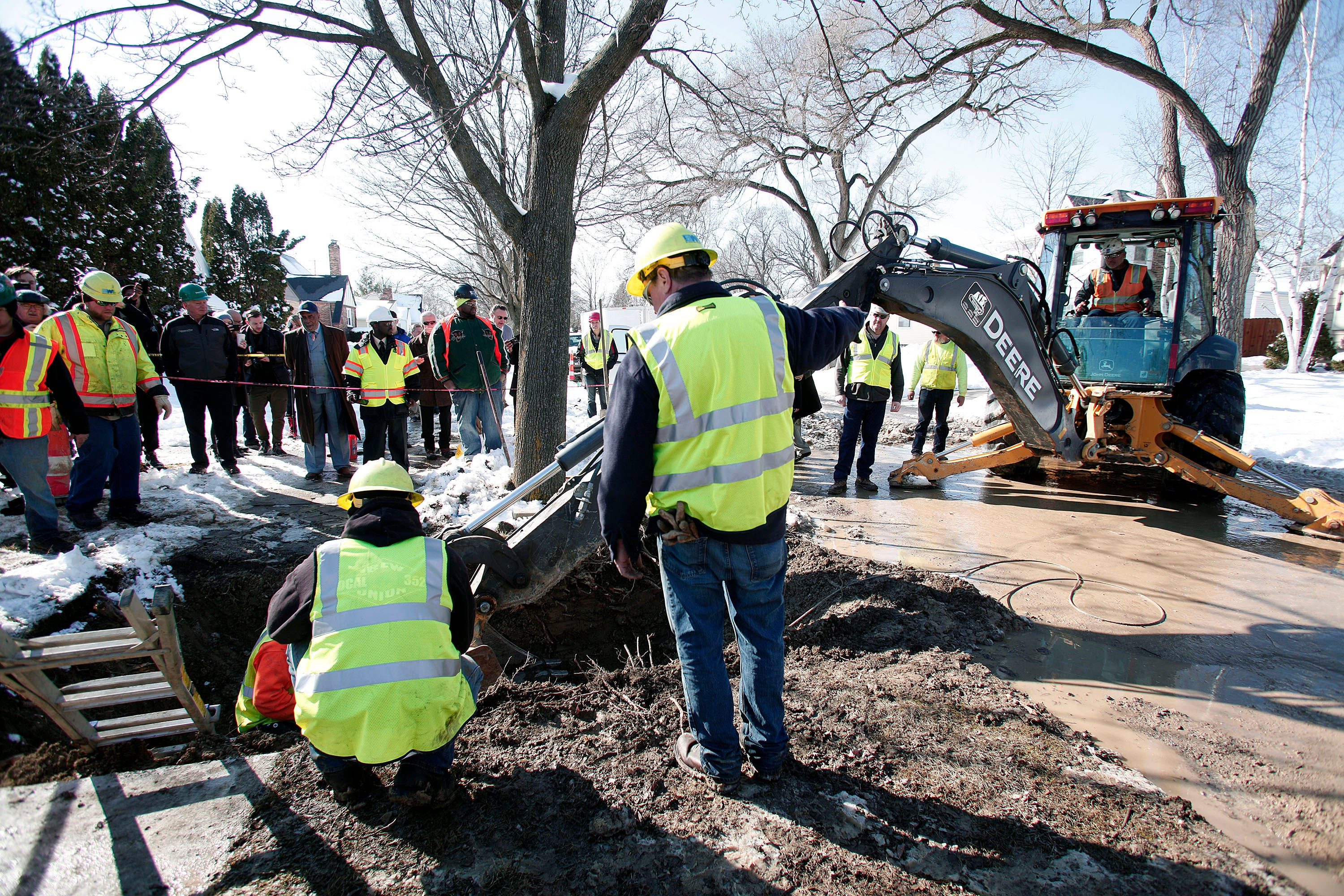 Flint Just Replaced Its First Lead Pipe (Only About 8,000 More to Go)