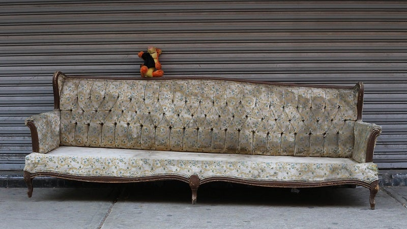 Two Useful Photo Tips For Selling Your Old Furniture Online