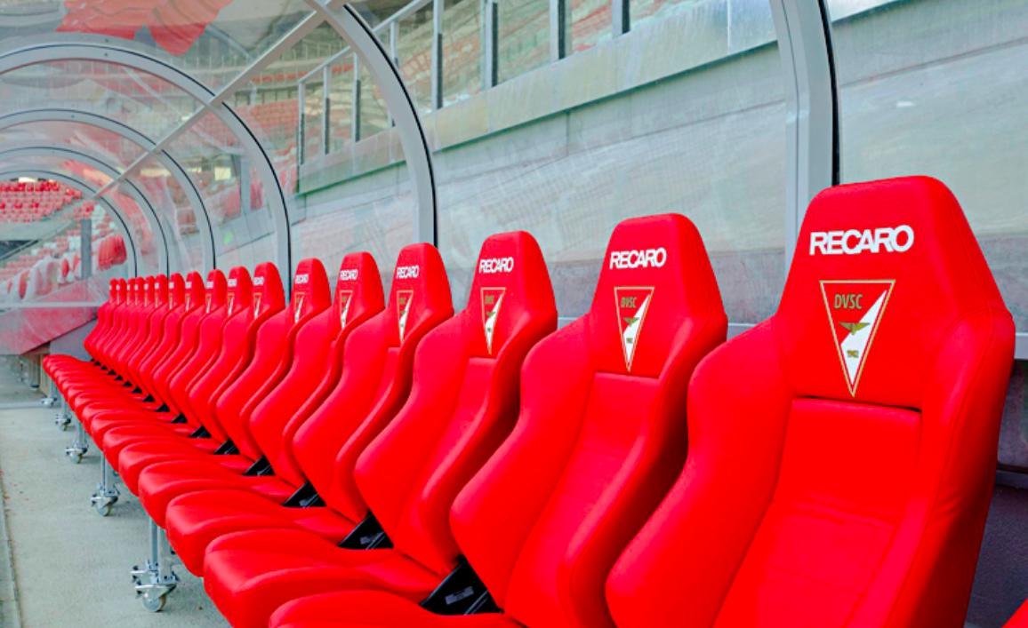 Bạn sẽ bất ngờ khi biết lý do các cầu thủ tại World Cup 2018 đều ngồi ghế xe đua