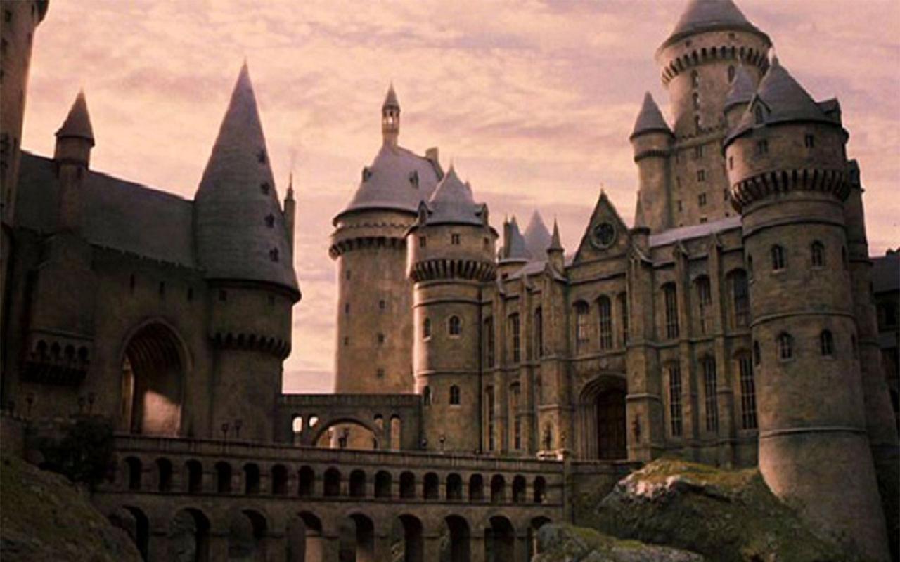 Imagini pentru hogwarts
